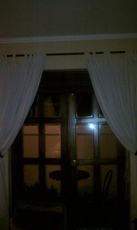 洛斯羅布萊斯飯店照片