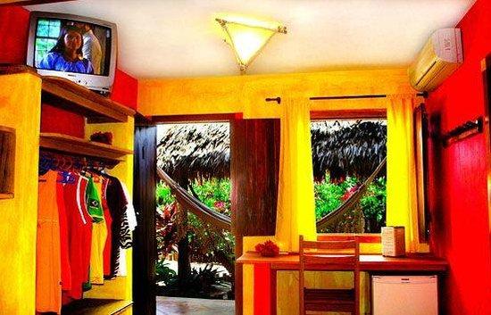 Pousada Ibiscus: Vista de um quarto
