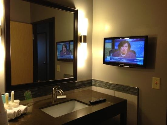 Holiday Inn Express & Suites Amarillo West: tv in the bathroom