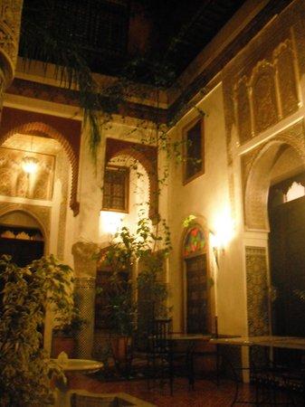 la notte al Riad El Ma