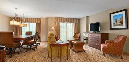 Embassy Suites by Hilton San Antonio Riverwalk-Downtown: Palor Suite