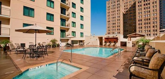 Embassy Suites by Hilton San Antonio Riverwalk-Downtown: Swimming Pool