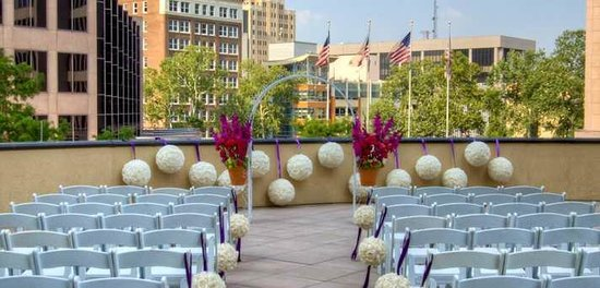Embassy Suites by Hilton San Antonio Riverwalk-Downtown: Roof Top Wedding