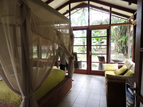 Bergendal Eco & Cultural River Resort:                   Our room