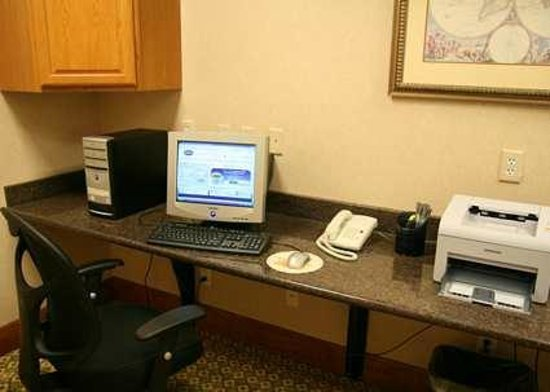 Hampton Inn & Suites College Station / US 6-East Bypass : Business Center