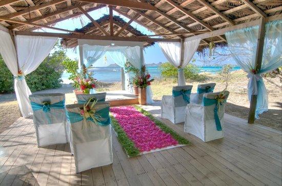 Petit St. Vincent Resort: Petit St Vincent - Beach Weddings