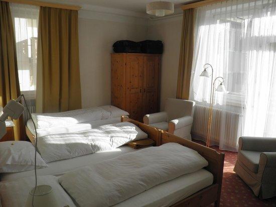 Hotel Engadinerhof:                                     une chambre