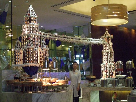 Caravelle Saigon:                   Christmas Decorations