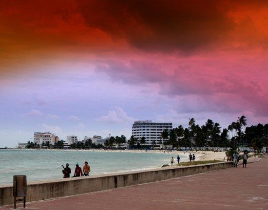 Hotel Casablanca:                   Playa Alrededor