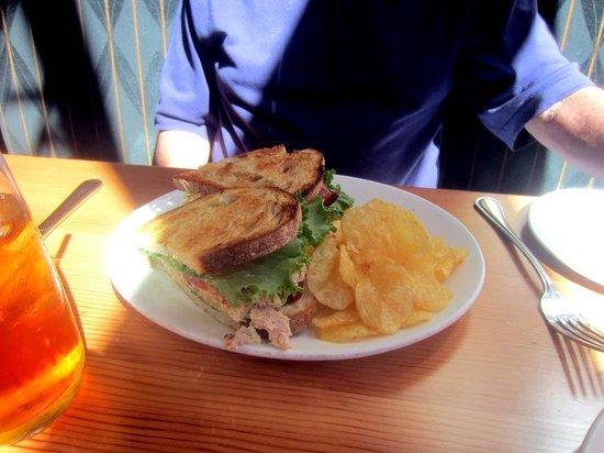 Southpark Seafood : Tuna Salad Sandwich