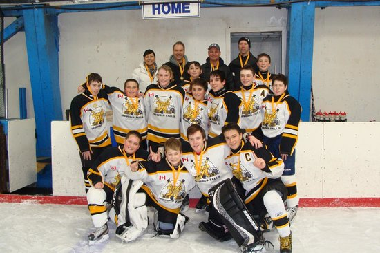 Leisure Inn Hotel: Iroquois Falls Champs 2013 stayed with us at the Leisure Inn.  Congratulations guys