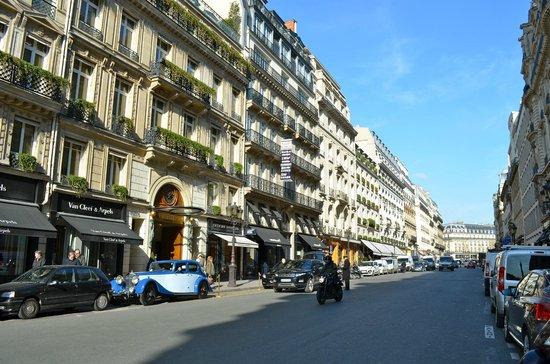 Park Hyatt Paris - Vendome:                   Street view of Park Hyatt