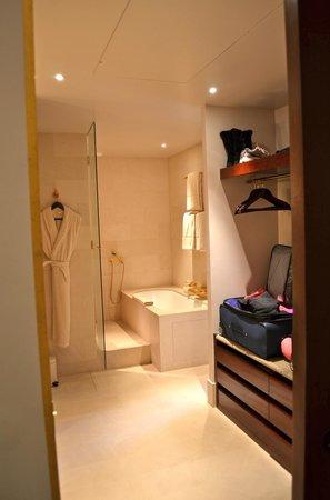 Park Hyatt Paris - Vendome:                   Gorgeous room!