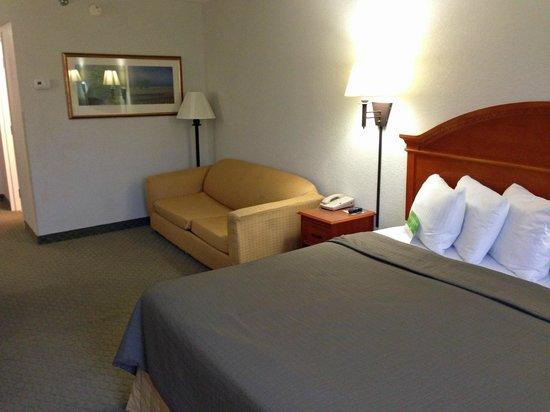 La Quinta Inn & Suites Sevierville / Kodak: room overview 2