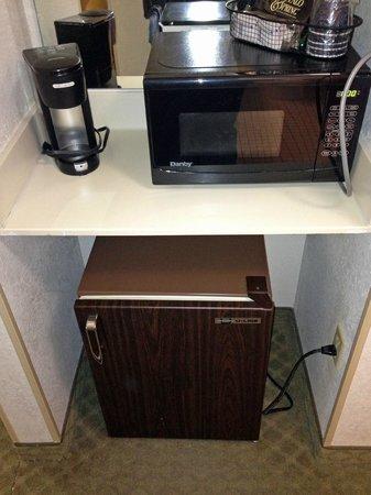 لا كوينتا إن آند سويتس سيفير فيل: microwave / fridge