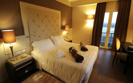 Best Western Plus Hotel Perla Del Porto Italy Province Of