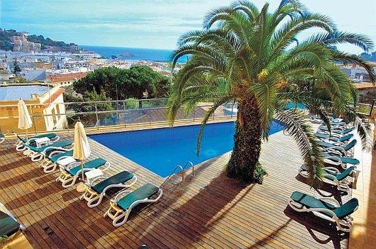 Pierre&Vacances Résidence Villa Romana : Vista a la piscina