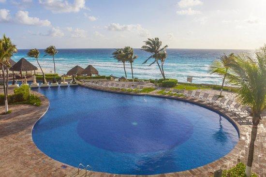 Paradisus Cancun: Main Pool