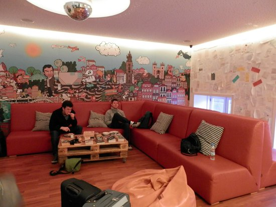 Yes! Hostel Porto:                                     Common room