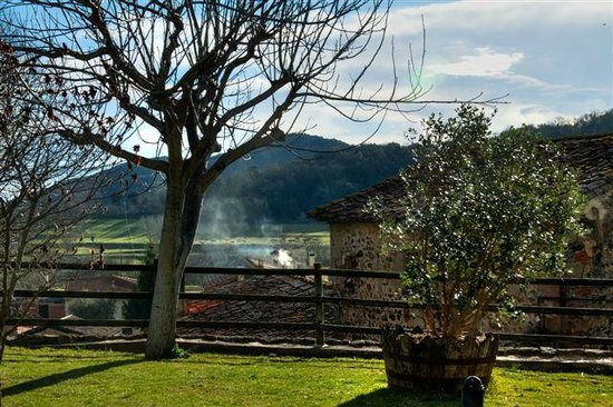 Hotel Cal Sastre: Vista desde el jardín