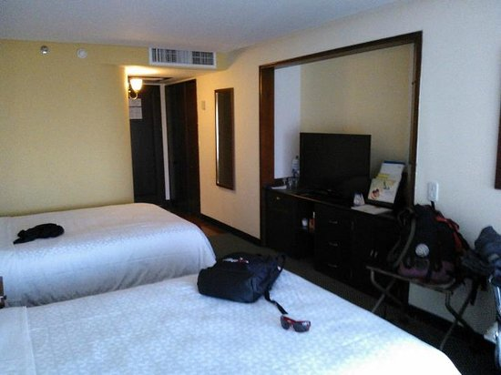 Four Points by Sheraton Medellin:                   habitacion  standar