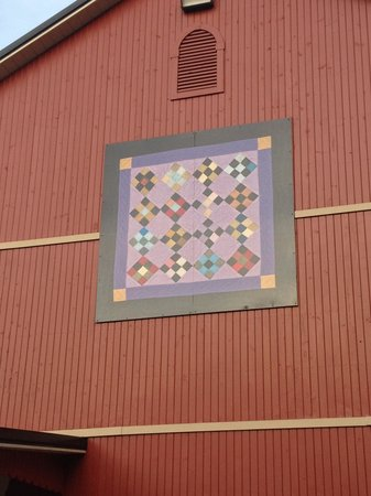The Barn Inn Bed and Breakfast :                   Large Quilt Square Outside