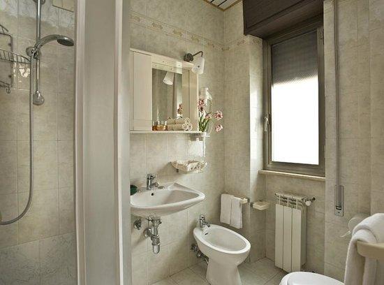 Hotel Siviglia: Bagno