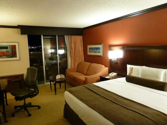 Crowne Plaza Albuquerque:                   Shot of the room
