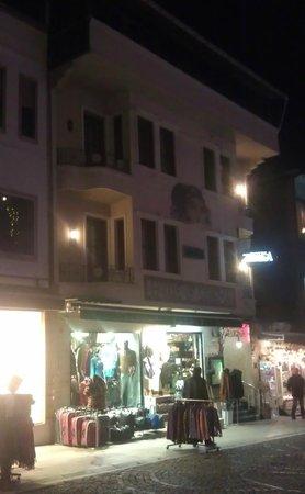 Zeugma Hotel:                                     Zeugma by night