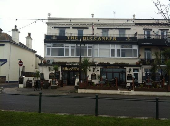 The Buccaneer Inn: outside