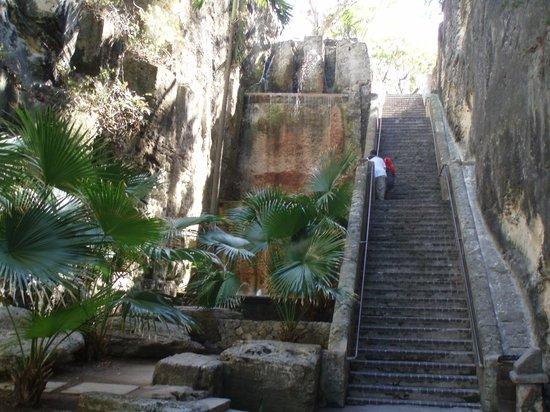 Queen's Staircase, Nassau Bahamas