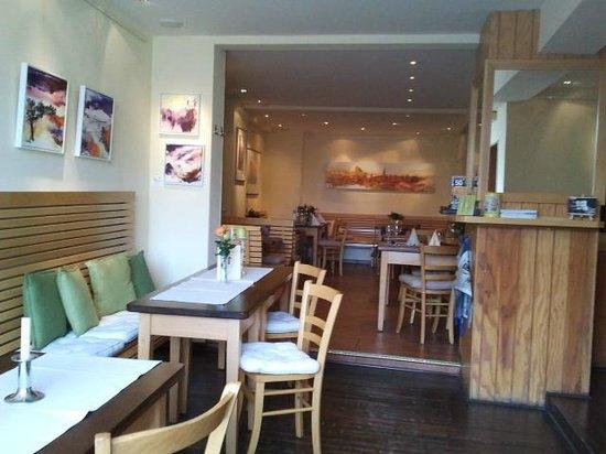 Restaurant Le Petit:                   Blick in das Kleine