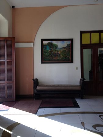 Ponce Plaza Hotel and Casino:                   Ramada Ponce Lobby