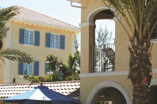 Villa Renaissance: Poolside Villas