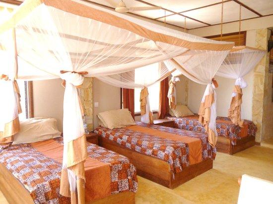 Seasons Lodge Zanzibar:                   Very comfortable beds