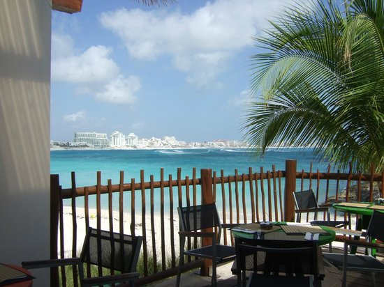 Club Med Cancun Yucatan:                   Main beach from La Pergola