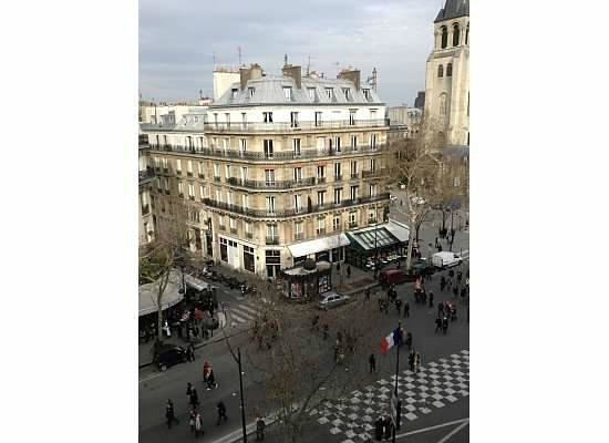 Au Manoir Saint Germain De Pres:                   Room with a view!