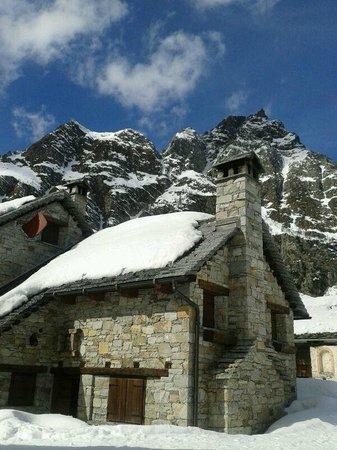 Alpe Devero, Itália: vista dai tavoli all'esterno