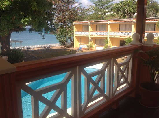 Sunset Shores Beach Hotel: Pool