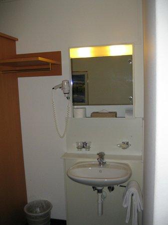 Olympia Hotel:                                     In-room hand washing basin