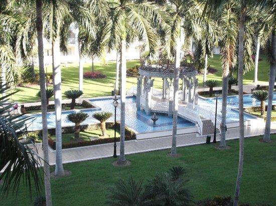 ClubHotel Riu Jalisco: Water fountain