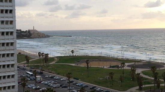 دان بانوراما تل أبيب:                   South View to Jafa Port                 