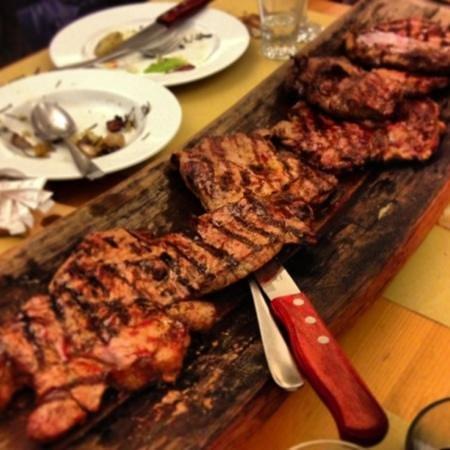 Jesi, Italien:                   trionfo di carne x 4!
