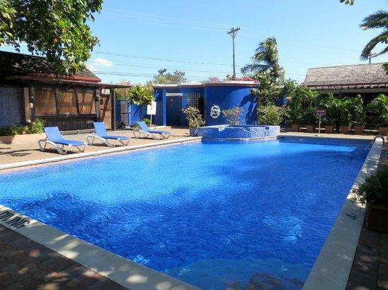 Pool Picture Of Terra Nova All Suite Hotel Kingston Tripadvisor