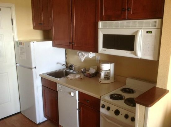 TownePlace Suites Fredericksburg:                   Kitchen