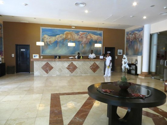 Grand Palladium Lady Hamilton Resort & Spa: They have an Awesome Spa!! I had a great massage here!