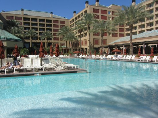Renaissance Indian Wells Resort & Spa:                   beautiful pool area