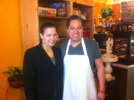 Palacio Cafe: Owners Maria and Damian
