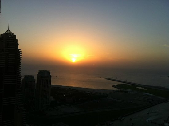 Dubai Marriott Harbour Hotel & Suites:                   Sunset from 34th floor
