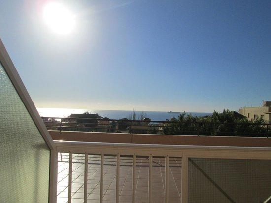 Aparthotel Aguadulce : la mer vue de la terrasse